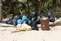 Lixo nas praias