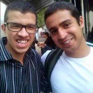 O jovem escritor com o repórter do SporTV, Felipe Brisolla.