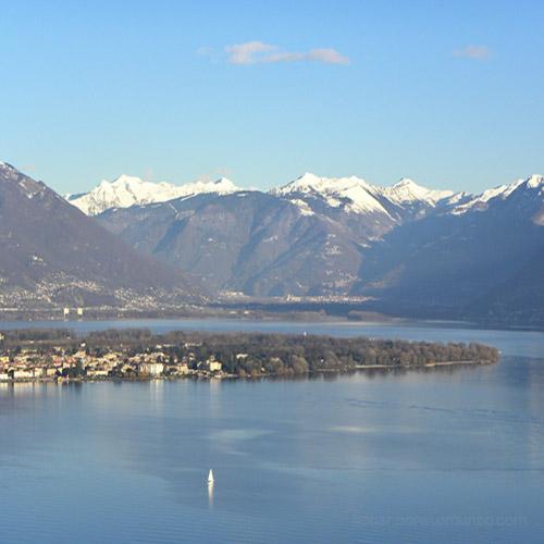 Vista panorâmica do Lago Maggiore (Ascona, Locarno e Tenero)
