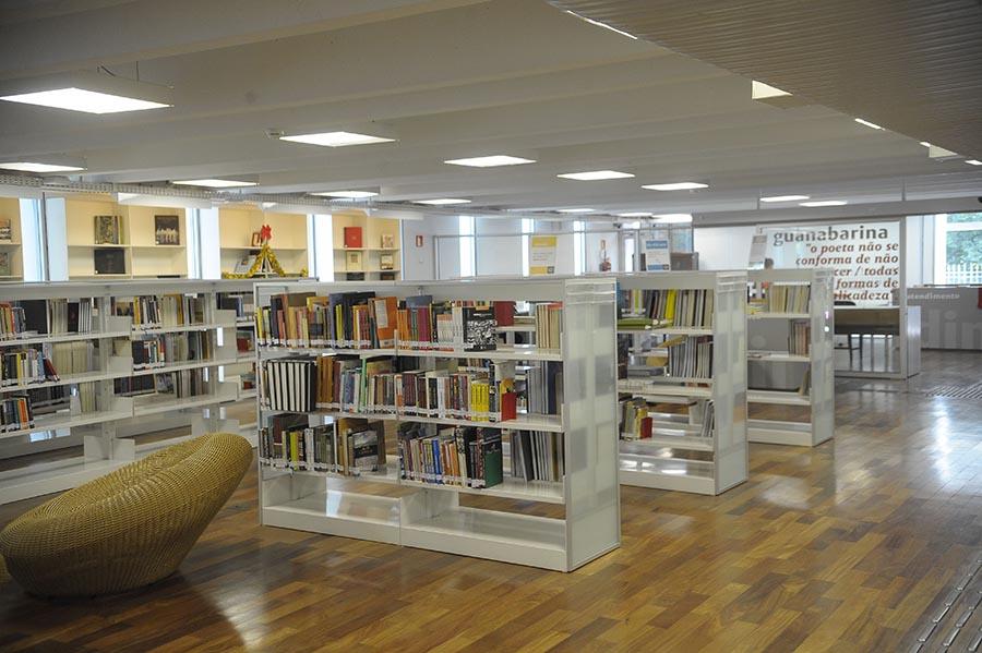 TS_Biblioteca_Rio_Fechar_03012016_006