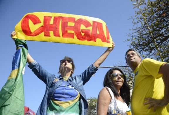 Rio de Janeiro: Manifestação pelo afastamento definitivo de Dilma Rousseff.